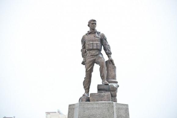 Памятник прохоренко в оренбурге памятники в белгороде цены адрес