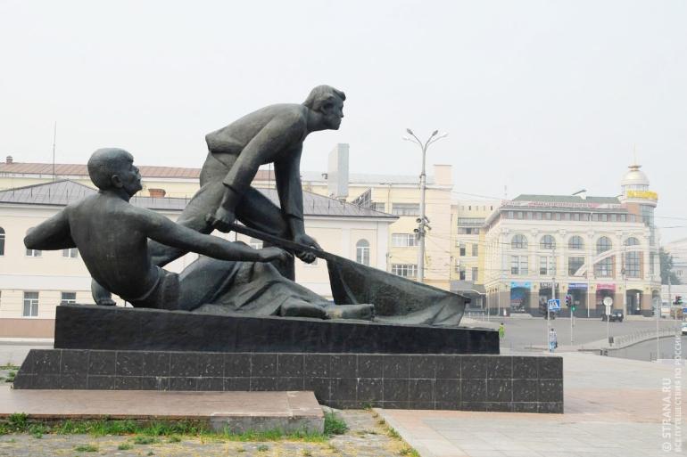 Памятник-монумент «Борцам Революции 1905 года». Фото: Игорь Стомахин/Strana.ru. Strana.Ru