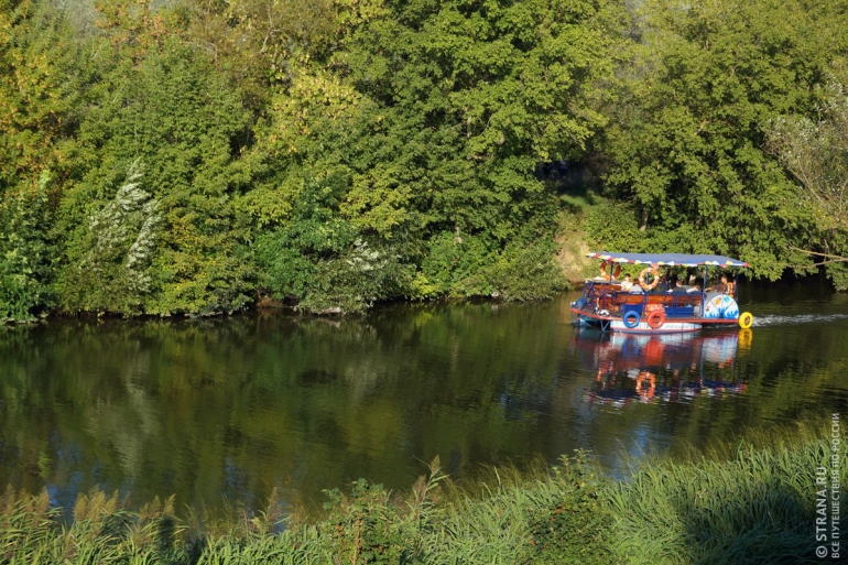 Прогулка по каналу реки Цна. Фото: Игорь Стомахин / Strana.ru. Strana.Ru