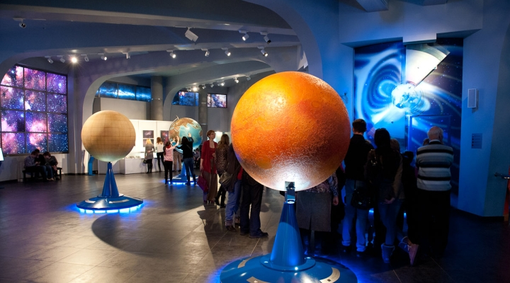 верхних век самый большой музей в москве данные