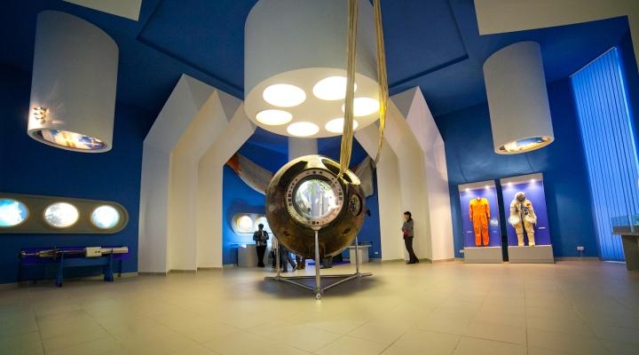 В Спасском музее открылась новая выставка «Путешествие в космос»